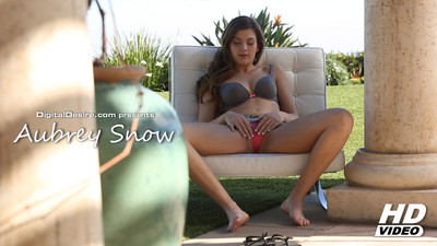 Aubrey Snow Video