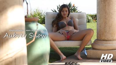 Aubrey Snow Video